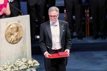 Gregg Semenza at Nobel Prize ceremony